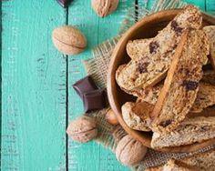 Biscotti allégé aux noix et aux pépites de chocolat : http://www.fourchette-et-bikini.fr/recettes/recettes-minceur/biscotti-allege-aux-noix-et-aux-pepites-de-chocolat.html