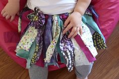My girls would LOVE this tutu... if only I had fabric scraps!!