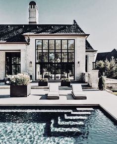 Such a beautiful pool – garden design Such a beautiful pool, # … - Style Architectural Dream Home Design, My Dream Home, House Design, Dream House Exterior, Dream House Plans, House Exteriors, Style At Home, Luxury Homes Dream Houses, Beautiful Pools