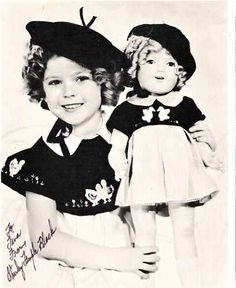 "1935 Shirley Temple & Shirley Temple Doll in ""duck dress"" from Curly Top Golden Age Of Hollywood, Vintage Hollywood, Hollywood Actor, Hollywood Actresses, Classic Hollywood, Madame Alexander, Antique Dolls, Vintage Dolls, Temple Movie"