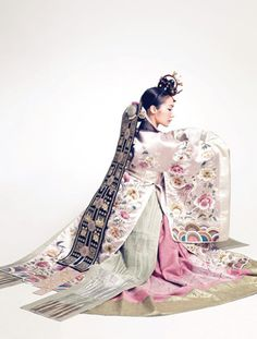 """hanboklynn: """" Elegant and beautiful silk hanbok for Spring. With its gorgeous pastel-toned colors and high-quality silk, this hanbok is just stunning! and elegant hanbok dress for brides. Korean Traditional Clothes, Traditional Fashion, Traditional Dresses, Hanbok Wedding, Costume Ethnique, Korea Dress, Modern Hanbok, Korean Wedding, Korean Bride"""