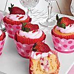 Cupcake de morango e brigadeiro branco - Gastronomia - Lifestyle