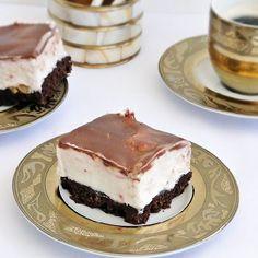 Krem a la Krem cu nuci si capsune - Rețete Papa Bun Pavlova, Eat Cake, Tiramisu, Caramel, Cheesecake, Cooking Recipes, Pudding, Yummy Food, Sweets