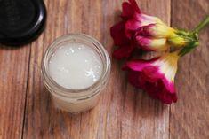 Domácí bezoplachový kondicionér na vlasy, jednoduchý recept Diy Beauty, Aloe Vera, Glass Of Milk, Cosmetics, Homemade, Food, Home Made, Essen, Meals