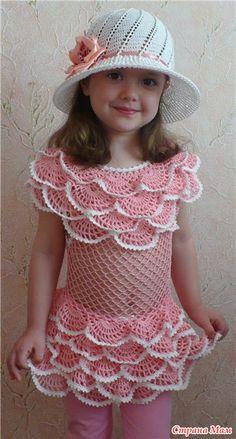 Viste con volantes y un sombrero - formaste en línea - casa las mamás