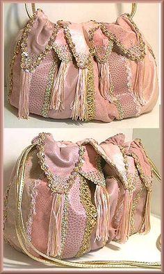 Mylinka Large Sky Rocket in Pink Love these bags. Unique Handbags, Beautiful Handbags, Love Everyone, Pink Love, Trinket Boxes, Conversation, Gym Bag, Most Beautiful, Favorite Things