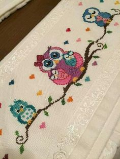This Pin was discovered by Mih Just Cross Stitch, Cross Stitch Art, Cross Stitch Designs, Cross Stitching, Cross Stitch Patterns, Hand Embroidery Stitches, Cross Stitch Embroidery, Embroidery Patterns, Broderie Simple