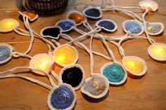 guirlande lumineuse 20 lucioles 'Gidget' custom par hooknhula Hula, Crochet, Etsy, Fireflies, Light Garland, Handmade Gifts, Unique Jewelry, Ganchillo, Crocheting