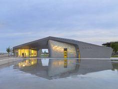 Sherbourne Common Pavilion / Teeple Architects - © Shai Gil