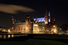 Kelvingrove Art Gallery and Museum at Glasgow - Houses 8000 objects, arranged in 22 themed galleries. Glasgow Map, Glasgow Scotland, Male Photography, Video Photography, Scotland Tourist Attractions, Riverside Museum, Commonwealth Games, Male Eyes, Fantasy Male