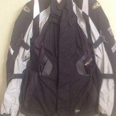 giacca moto Sling Backpack, Backpacks, Bags, Fashion, Handbags, Moda, La Mode, Women's Backpack, Fasion