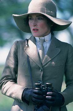 "Meryl Streep as Karen Blixen in ""Out of Africa"" - Academy Award nomination for best actress in a leading role Meryl Streep, Beau Film, Ana Karenina, Karen Blixen, Plus Size Blog, Nova Jersey, I Look To You, Safari Chic, British Colonial Style"