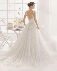 MONTREAL vestido de novia  en encaje y pedreria.