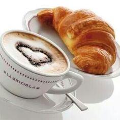 serveur un café croissant s'il vous plaît