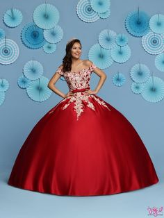 Custom quinceanera dresses in bright colors! These quince dresses can be made in any color. Lots of vestidos de quinceanera to choose from. Satin Tulle, Tulle Ball Gown, Tulle Lace, Ball Gowns, Pretty Quinceanera Dresses, Quinceanera Party, Quince Dresses, 15 Dresses, Pretty Dresses