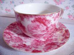 i love tea and drinking tea out of beautiful tea cups~ ahhhhh sigh