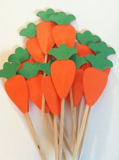 12 Carrot toppers, easter carrot toppers, cupcake toppers – Famous Last Words Bunny Party, Easter Party, Summer Crafts For Kids, Easter Crafts For Kids, Diy Ostern, Bunny Birthday, Easter Cupcakes, Flower Cupcakes, Christmas Cupcakes