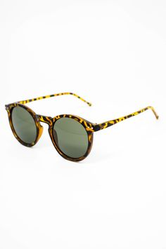 Keep your look smart with these fun 90 s inspired shades! Just restocked on  www. 77a80e5b8be0