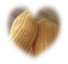 Knitted Hats, Gloves, Knitting, Winter, Winter Time, Tricot, Breien, Stricken, Weaving
