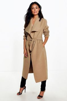 Wrap up in the latest coats and jackets and get out-there with your outerwear  Breathe life into your new season layering with the latest coats and jackets from boohoo. Supersize your silhouette in a puffa jacket, stick to sporty styling with a bomber, or protect yourself from the elements in a plastic raincoat. For a more luxe layering piece, faux fur coats come in fondant shades and longline duster coats give your look an androgynous edge.