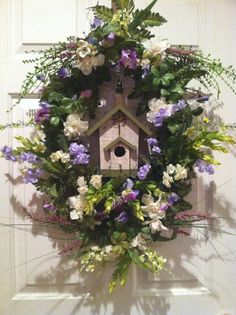 Birdhouse Wreath for Spring