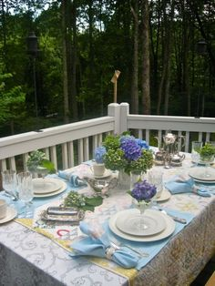 floral tablesetting