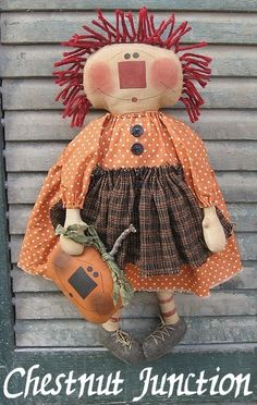 Pumpkin Annie EPATTERN primitive country halloween fall autumn harvest cloth doll raggedy decoration ornament crafts sewing pattern by chestnut junctionPunkin Annie is a sweet Halloween gal who holds onto a jack-o-lantern in her hand. Primitive Doll Patterns, Primitive Crafts, Primitive Country, Primitive Fall, Primitive Snowmen, Primitive Christmas, Country Christmas, Christmas Christmas, Doll Crafts