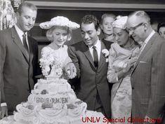 Wedding, Vintage, Fashion, Valentines Day Weddings, Moda, Fashion Styles, Weddings, Fasion, Vintage Comics