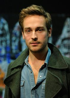 Tom Mison as Ichabod Crane on Sleepy Hollow. Looks different with short hair and no facial hair but still as handsome as ever!!