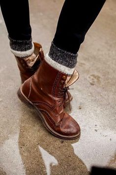 boots w/ thick tube socks