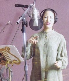 Recording Dreaming of You Selena Quintanilla Perez, Selena Quintanilla Birthday, Selena Mexican, Selena And Chris Perez, Selena Pictures, Jackson, Queen Pictures, Latina Girls, Full Body