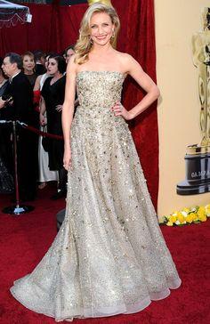 Oscars Fashion: Best Gold Dresses - Cameron Diaz in Oscar de la Renta, 2010