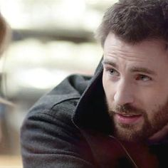 Movies: Chris Evans can't help being the good guy in Before We Go clip