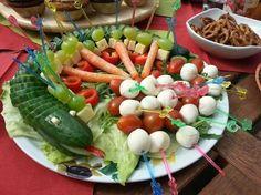 Gurkenschlange im Gemüsebeet, ein sehr schönes Rezept aus der Kategorie Gemüse. Bewertungen: 43. Durchschnitt: Ø 4,5.
