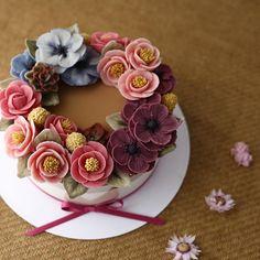 #밀크티무스 와 #요거트설기 #milkteamousse & #yogurtricecake _ Whitebeanpaste flowercake 2nd. Advanced class  . #ricecake #maisonolivia #beanpastemousse #whitebeanpast #whitebeanpasteflower #koreaflowercake #korearicecake #flowercake #플라워케이크 #플라워케익 #대구플라워케이크 #메종올리비아 #앙금플라워떡케이크 #앙금플라워케익 #앙금플라워케이크