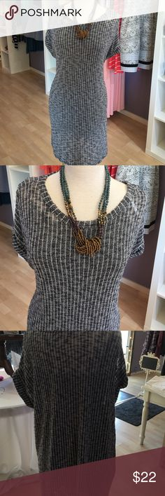 Airy sweater tunic It's sweater tunic. Very light weight. Has winged arms, arm holes are meant to be flowy. Can be worn loose or belted! Adorable with boots! Sweet Claire Tops Tunics