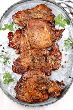 Marinated Pork Chops Grilled, Balsamic Pork Chops, Seared Pork Chops, Boneless Pork Chops, Grilled Meat, Marinade For Pork Chops, Barbeque Pork Chops, Tender Pork Chops, Pork Meat