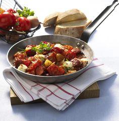 Unser beliebtes Rezept für Tomaten-Cabanossi-Pfanne und mehr als 55.000 weitere kostenlose Rezepte auf LECKER.de.
