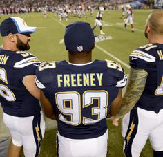 Dwight Freeney says Chargers should just pay Bosa his bonus  http://ift.tt/2bZxtGi Submitted August 28 2016 at 12:44PM by PotRoastBoobs via reddit http://ift.tt/2bJhdeB
