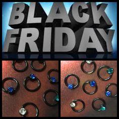 I dag til Black Friday piercer jeg 11-20 og vi har 20% på alle septum piercinger, Body Soap til 20kr og 20% på alle sorte smykker samt piercing gavekort og tonsvis af LykkePoser så give den gas 😍😍😍😍😍😍❤️🙏🏾