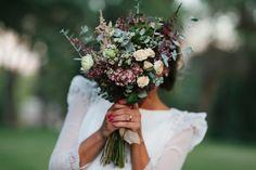 Best Indoor Garden Ideas for 2020 - Modern Beautiful Flower Arrangements, Beautiful Flowers, White Wedding Bouquets, Wedding Flowers, Wedding Destination, Wedding Engagement, Rustic Wedding, Marie, Wedding Decorations