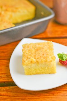 This version of the popular cornbread bibingka consists of three layers: cornbread at the bottom, bibingka in the middle and the creamed corn on top. Filipino Dishes, Filipino Desserts, Asian Desserts, Filipino Recipes, Filipino Food, Asian Recipes, Asian Snacks, Easy Desserts, Cornbread Bibingka Recipe