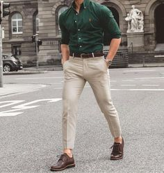 Awesome 46 Stylish Formal Men Work Outfit Ideas To Change Your Style. More at lu Formal Attire For Men, Formal Dresses For Men, Formal Shirts For Men, Formal Wear For Men, Stylish Mens Haircuts, Stylish Mens Outfits, Stylish Men Over 50, Stylish Man, Work Casual