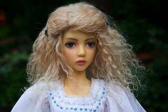 Make Your Own Tibetan Lambskin Wigs - http://www.antiquelilac.com/tibetan-lambskin-wigs---tutorial.html