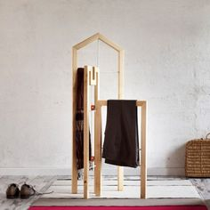 Tusciao Valet Stand