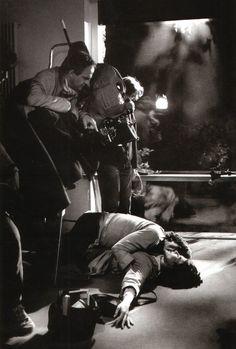 "Francois Truffaut directing Fanny Ardant and Gérard Depardieu on the set of ""The Woman Next Door"" 1982 Star Wars, Francois Truffaut, French New Wave, Divas, Anthony Hopkins, Film Inspiration, Film Aesthetic, Film Director, Film Stills"