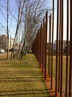 Gedenkstätte Berliner Mauer - Historic Site in Mitte Architecture Details, Landscape Architecture, Landscape Design, Garden Park, Berlin Wall, Fence Gate, Garden Fencing, Fence Design, Land Art