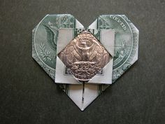 Dollar bill heart (A token of Love) Money Origami Tutorial, Origami Ideas, Paper Crafts Origami, Easy Paper Crafts, Origami Paper, Dollar Bill Origami, Dollar Bills, Graduation Leis, Graduation Party Decor
