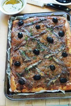 Pissaladière recipe from Nice (onions anchovies olives) Pizza Recipes, Cake Recipes, Cooking Recipes, Quiches, Tapas, Pizza Cake, Hors D'oeuvres, Food Tags, Dough Recipe
