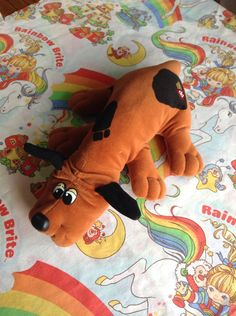 Vintage Pound Puppy Large Plush 1986 I had the pound puppy AND the rainbow brite sheets!